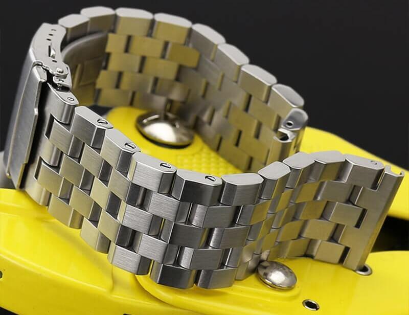 Bracelet-acier-brossé-1